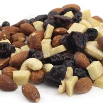 Aunt Patty's Mt. Washington trail mix will be a delight to your tastebuds in the freedom of the outdoors. Consisting of Dry Roasted Almonds, Cashews, White Chocolate, Blueberries and Cherries this gourmet mix is one of a kind.