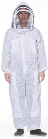 Ventilated bee suit with fencing veil
